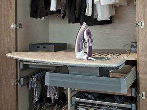 встраиваемая гладильная доска в шкаф