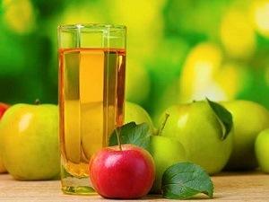 Как хранить свежевыжатый яблочный сок